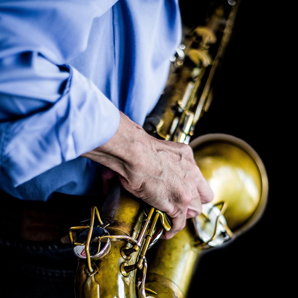 beck-bestattungsinstitut-musik-saxophon