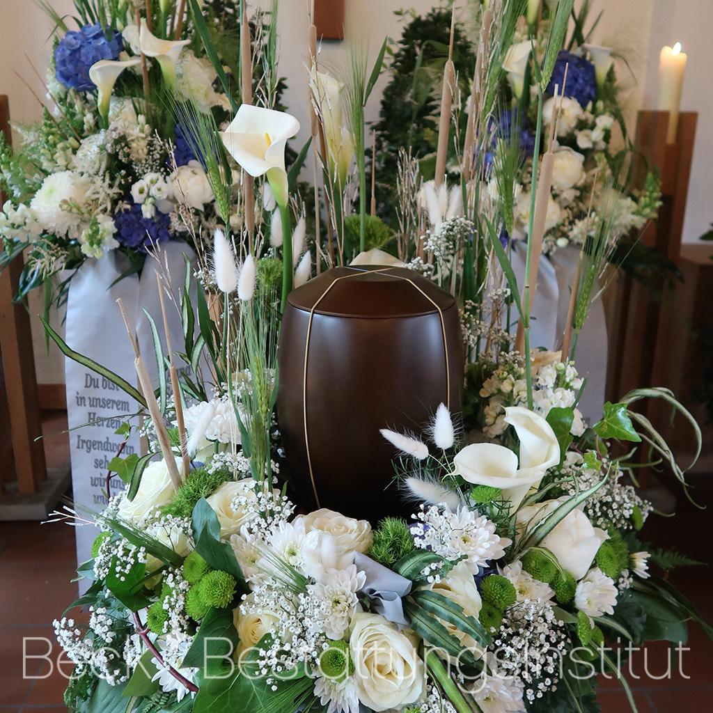 beck-bestattungsinstitut-urnenbestattung-dekoration